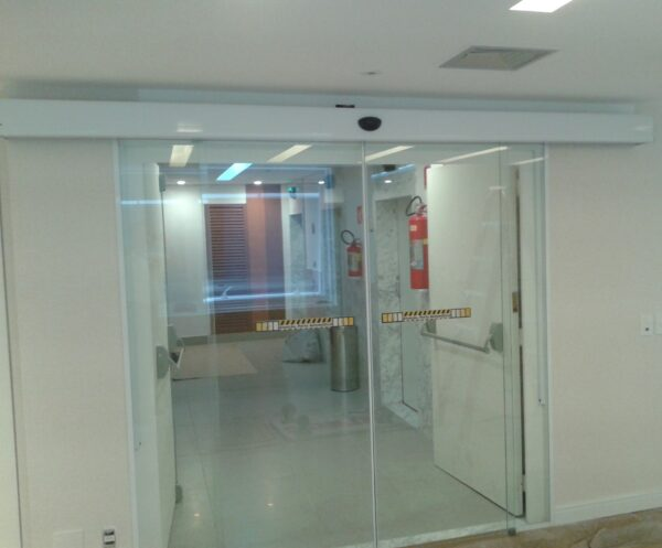 Transite Porta Deslizante 100% Vidro